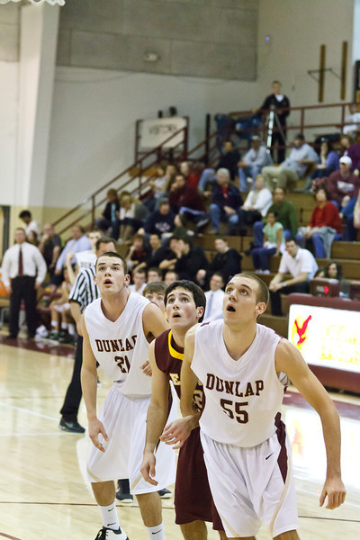 20120217_dunlap_vs_east_peoria_basketball_058