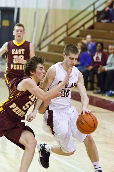 20120217_dunlap_vs_east_peoria_basketball_095