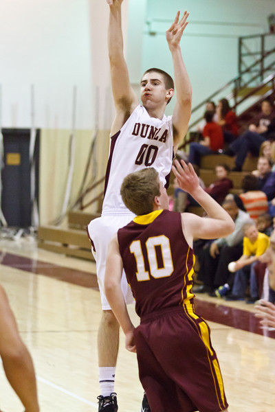 20120217_dunlap_vs_east_peoria_basketball_079