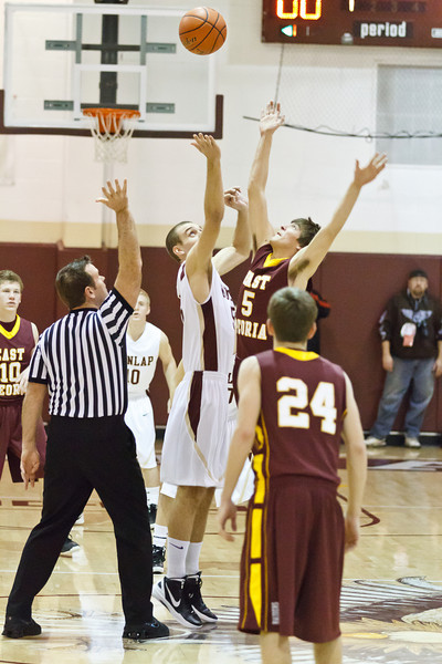 20120217_dunlap_vs_east_peoria_basketball_005