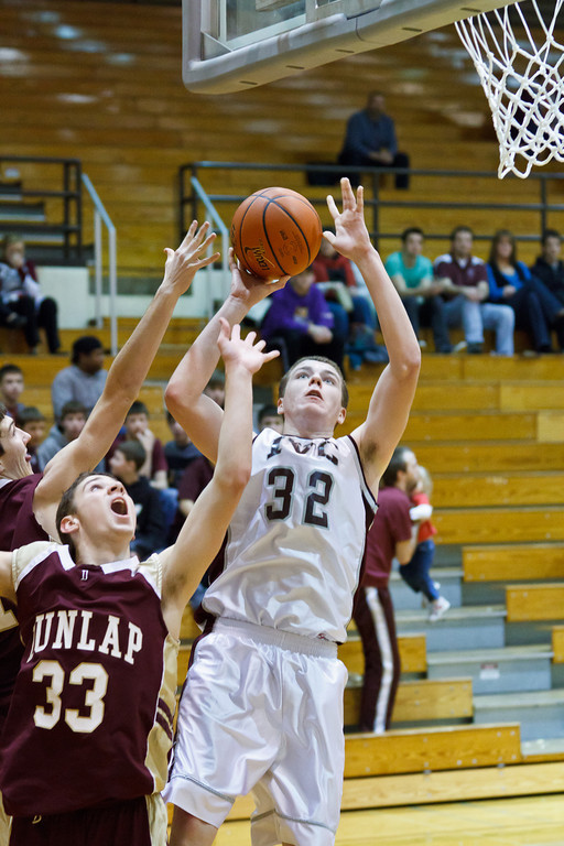 20111217_dunlap_vs_ivc_sophomore_basketball_016