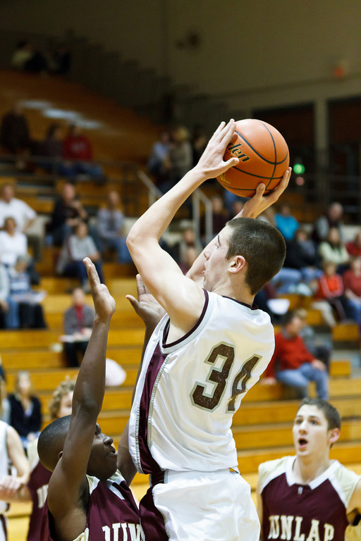 20111217_dunlap_vs_ivc_sophomore_basketball_014