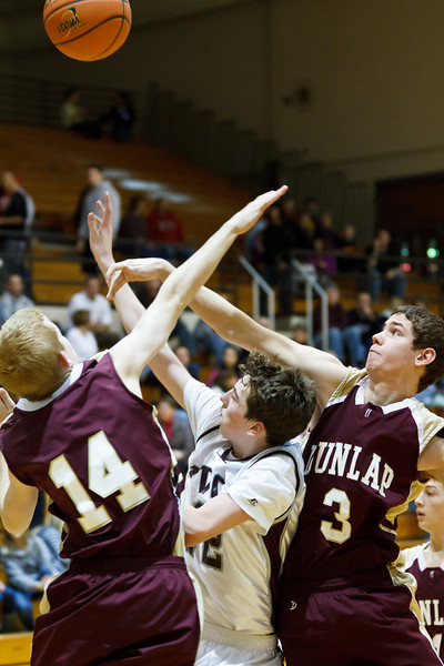 20111217_dunlap_vs_ivc_sophomore_basketball_024
