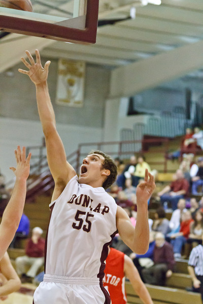 20120114_dunlap_vs_streator_basketball_041