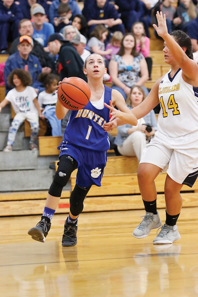 Star Photo/Bryce Phillips <br /> Hunter's Sadie Shoun drives in for a basket.