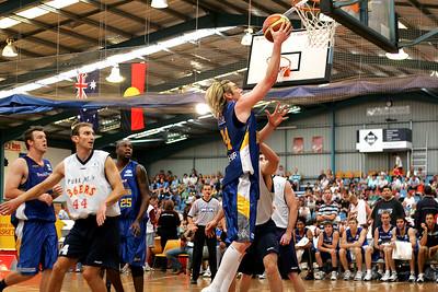 Dillon Boucher lays-up. NBL Blitz, Coffs Harbour, 8-9 September 2006