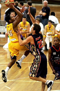 Anthony Stewart plays D - NBL Blitz, Coffs Harbour, 8-9 September 2006