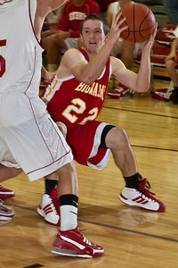 Big Walnut High School's #22 Tyler Bean looks for clear air down low during a pre-season scrimmage at Centerburg High School, Friday night November 20, 2009. (Photo by James D. DeCamp 614-462-8027)