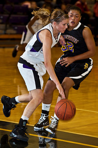 Pickerington North High School's drives against Reynoldsburg High School's in the first quarter of play at Pickerington North High School Thursday night December 17, 2009. (Photo by James D. DeCamp 614-462-8027)