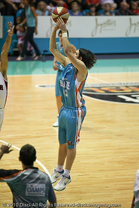 Chris Goulding - Gold Coast Blaze v Perth Wildcats NBL Baskeball, New Year's Eve 2010; Gold Coast Convention & Exhibition Centre.