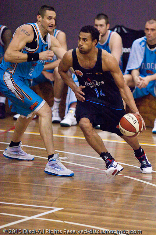Mika v Pero - Gold Coast Blaze v New Zealand Breakers NBL basketball pre-season game; 4 October 2010, Carrara Stadium, Gold Coast, Queensland, Australia