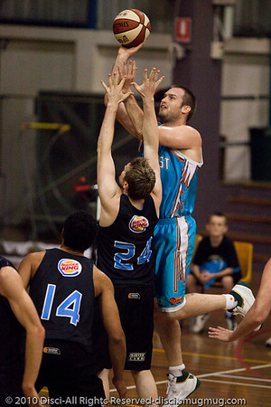 Gold Coast Blaze v New Zealand Breakers NBL pre-season basketball. Photographed by Des Thureson with a longer lens.