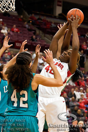 Ohio State University's Senior Center Jantel Lavender (#42) in the first period of play at the Value City Arena at The Jerome Schottenstein Center in Columbus, Ohio Sunday afternoon November 28, 2010. The Buckeyes lead the Lady Seahawks 37-32 at the end of the first half.   Lavender broke an OSU school record for career field goals in Sunday's win with 879.   (© James D. DeCamp / Southcreek Global Media) | All Rights Reserved |http://www.southcreekglobal.com | For all sales contact: sales@southcreekglobal.com | 1-800-934-5030