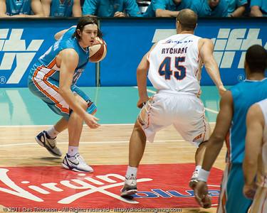 Chris Goulding reminds me of this pic:  http://disci.smugmug.com/Sports/Basketball/Basketball-Gold-Coast-Blaze-v/blaze-v-st-marys-basketball17/622232507_2wuxc-L-1.jpg - Gold Coast Blaze v Cairns Taipans NBL Basketball, Wednesday 19 January 2011.