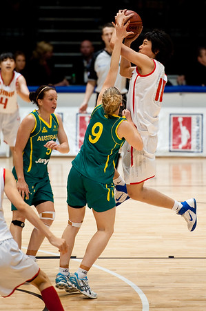 Tess Madgen v Shuang Zhao - Opals v China International Women's Basketball, Logan Metro Sports Centre, Crestmead, Queensland, Australia; 24 July 2011. Photos by Des Thureson: http://disci.smugmug.com.