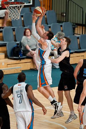 "Gold Coast Blaze v New Zealand Breakers - Finals Day, Sunshine State Challenge Pre-season NBL Basketball, Chandler, Brisbane, Queensland, Australia; Saturday 24 September 2011. Photos by Des Thureson:  <a href=""http://disci.smugmug.com"">http://disci.smugmug.com</a>."