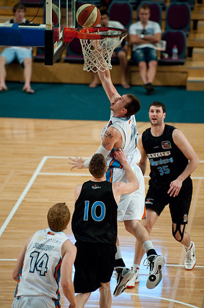 "Gold Coast Blaze v New Zealand Breakers - Finals Day, Sunshine State Challenge Pre-season NBL Basketball, Chandler, Brisbane, Queensland, Australia; Saturday 24 September 2011. Photos by Des Thureson:  <a href=""http://disci.smugmug.com"">http://disci.smugmug.com</a>."