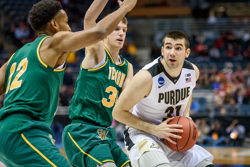 3/16/17 NCAA Tournament, Vermont, Dakota Mathias