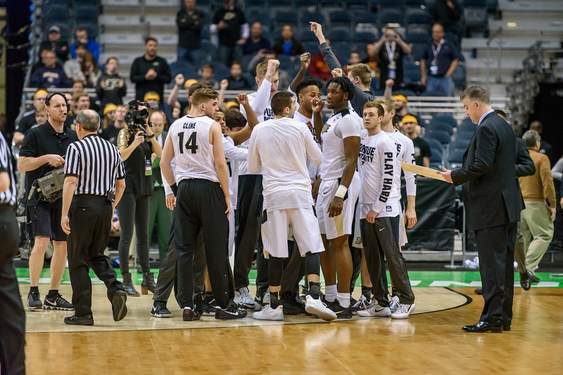 3/16/17 NCAA Tournament, Vermont, Huddle