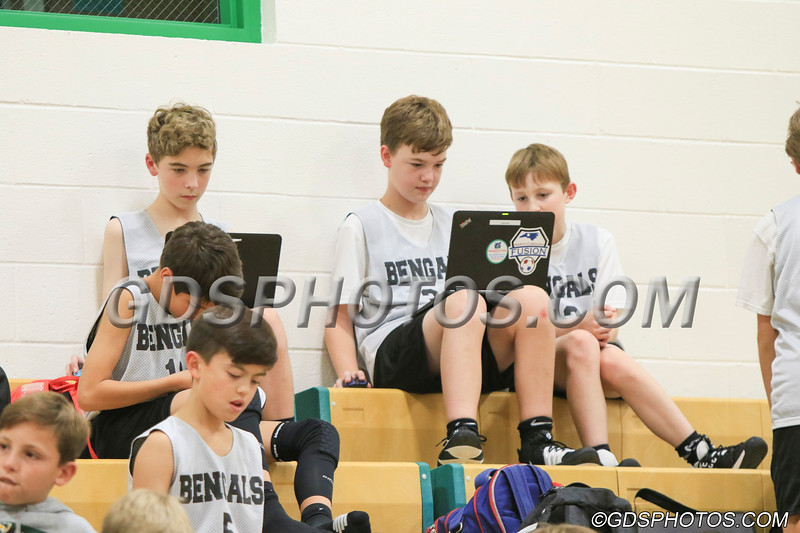 Six grade vs StPius_12102019_007