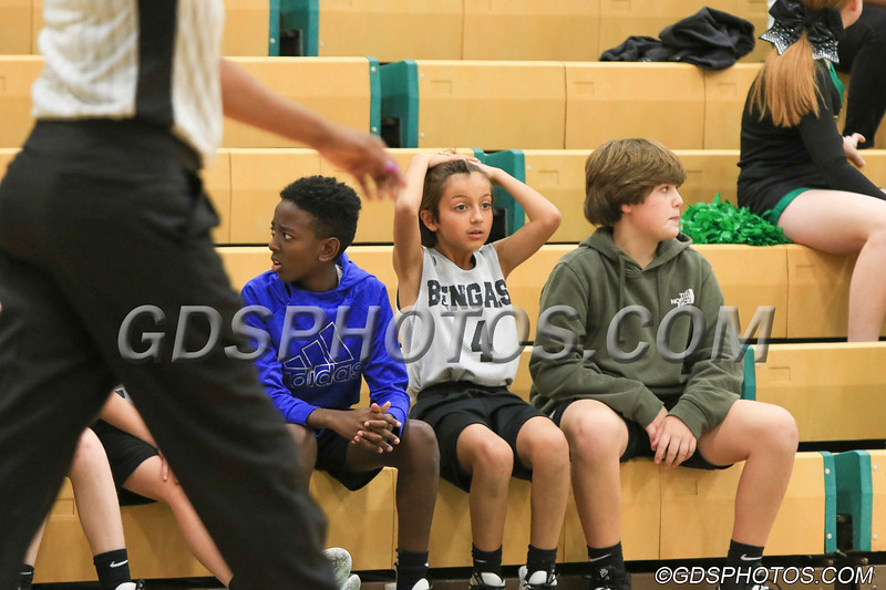 Six grade vs StPius_12102019_015