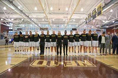Adelphi Womens Basketball vs American International College | Copyright: Chris Bergmann Photography