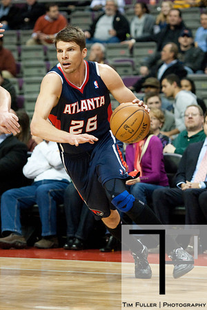 Feb 25, 2013; Auburn Hills, MI, USA; Atlanta Hawks small forward Kyle Korver (26) drives to the basket during the first quarter against the Detroit Pistons at The Palace. Mandatory Credit: Tim Fuller-USA TODAY Sports