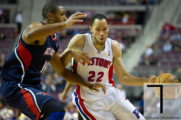 Oct 26, 2012; Auburn Hills, MI, USA; Atlanta Hawks power forward Al Horford (15) guards Detroit Pistons small forward Tayshaun Prince (22) during the game at The Palace. Detroit won 104-88. Mandatory Credit: Tim Fuller-US PRESSWIRE
