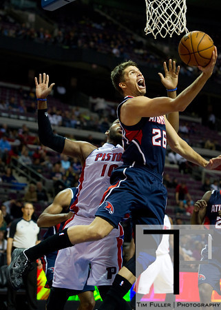Oct 26, 2012; Auburn Hills, MI, USA; Atlanta Hawks shooting guard Kyle Korver (26) goes to the basket for a lay up during the second quarter against the Detroit Pistons at The Palace. Mandatory Credit: Tim Fuller-US PRESSWIRE