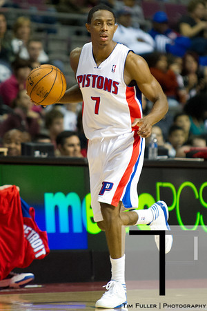 Oct 26, 2012; Auburn Hills, MI, USA; Detroit Pistons point guard Brandon Knight (7) brings the ball up court against the Atlanta Hawks during the game at The Palace. Detroit won 104-88. Mandatory Credit: Tim Fuller-US PRESSWIRE
