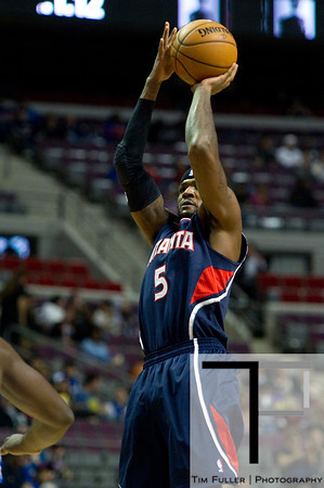 Oct 26, 2012; Auburn Hills, MI, USA; Atlanta Hawks small forward Josh Smith (5) takes a jump shot during the first quarter against the Detroit Pistons at The Palace. Mandatory Credit: Tim Fuller-US PRESSWIRE
