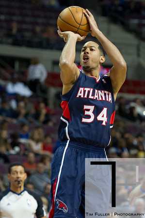 Oct 26, 2012; Auburn Hills, MI, USA; Atlanta Hawks point guard Devin Harris (34) during the first quarter against the Detroit Pistons at The Palace. Mandatory Credit: Tim Fuller-US PRESSWIRE
