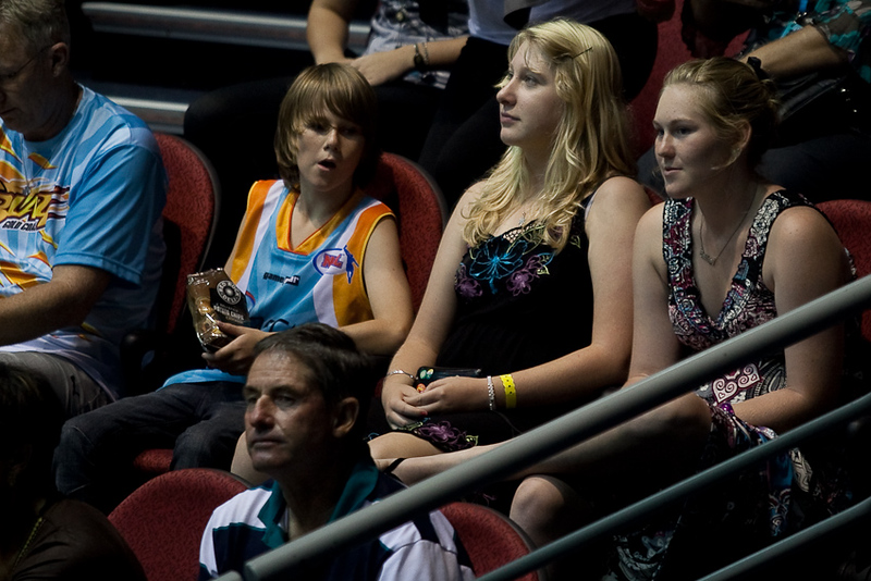 Niece of photographer watches the game - Blaze v Breakers 31-12-2009