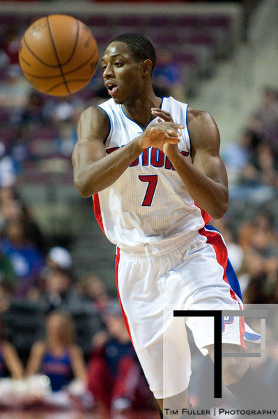 Nov 18, 2012; Auburn Hills, MI, USA; Detroit Pistons point guard Brandon Knight (7) pass the ball up court during the third quarter against the Boston Celtics at The Palace. Detroit won 103-83. Mandatory Credit: Tim Fuller-US PRESSWIRE