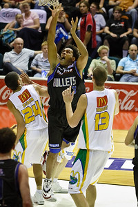 Peni Nasalo is too quick for the Crocs - Brisbane Bullets v Townsville Crocs 23 December 2005