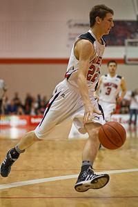 Cole Hobin moving the ball (3238)