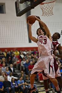 Aaron Chapman to the hoop (0482)