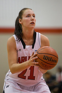 Ines Jelic at the line (MURR7077)