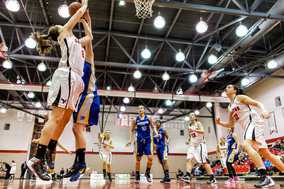Lindsay Shotbolt to the hoop
