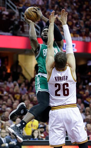Cavs 112, Celtics 99