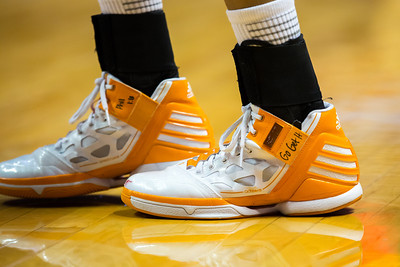 February 21, 2013: guard Meighan Simmons #10 of the Tennessee Lady Volunteers shoes during the NCAA basketball game between the University of Tennessee  Lady Volunteers and the Auburn Tigers at Thompson-Boling Arena in Knoxville, TN