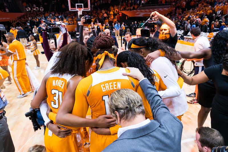 NCAA Basketball 2017: Texas vs Tennessee DEC 10