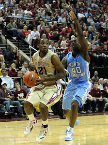Mike Snaer (21) looks to pass the ball during the FSU vs. UNC basketball game held on Jan. 14th at the Civic Center.