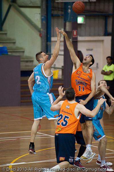 Pero v Ian - Gold Coast Blaze v Cairns Taipans pre-season NBL basketball game, Saturday 18 September 2010, Carrara, Gold Coast, Australia.