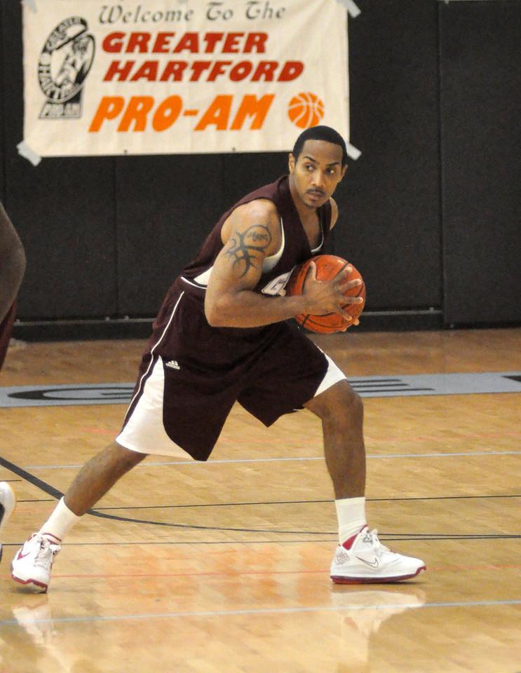 Matt Turner works the offense. (7/18/2010)