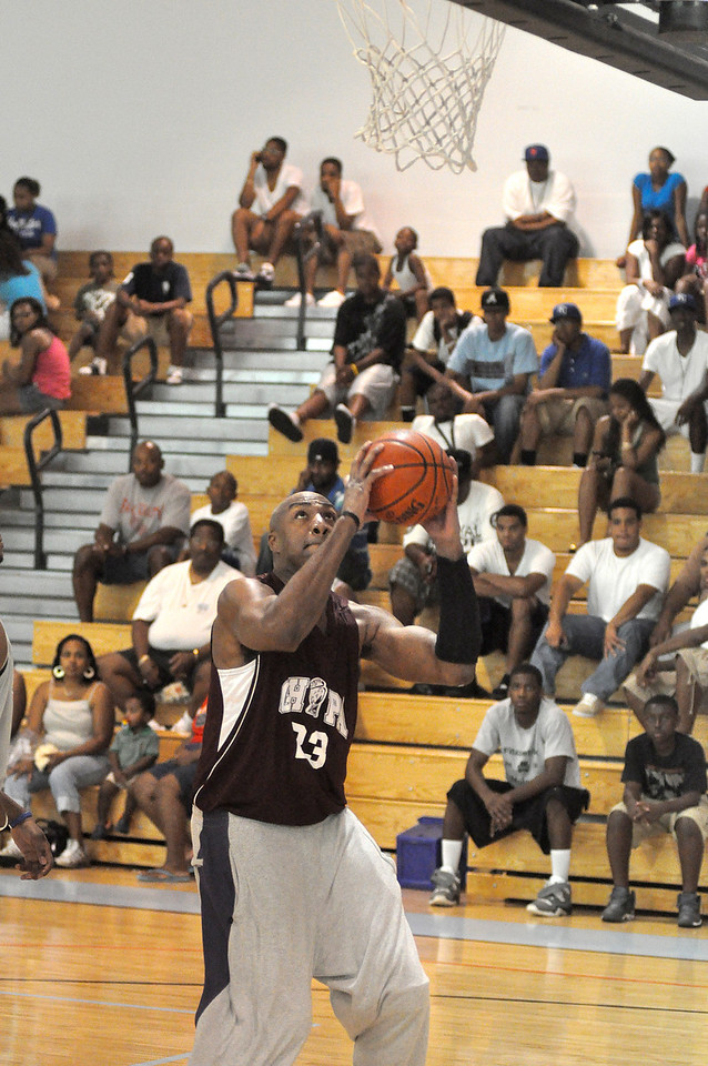 Vin Baker about to dunk. (7/18/2010)