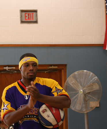 Harlem Wizards visit St Dominics and Dominican College