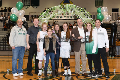 KMHS @06_17 Sr Night_020317-12a