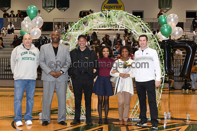 KMHS @06_17 Sr Night_020317-21a
