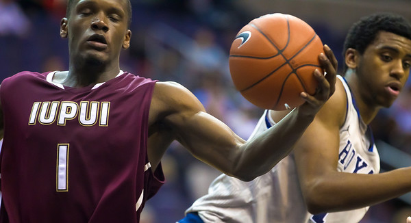 Lyonell Gaines of IUPUI and Hollis Thompson of Georgetown